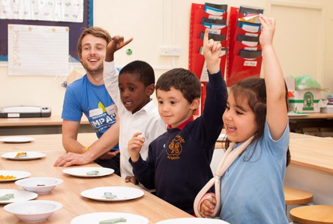 reading in schools volunteering